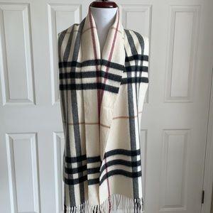 Burberry scarf 12x62